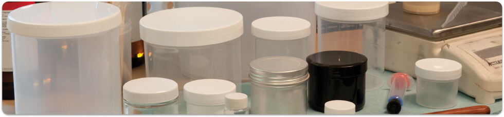 Selection of mixing containers